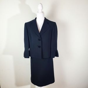 Tahari Black Women's Blazer and Skirt Size 6